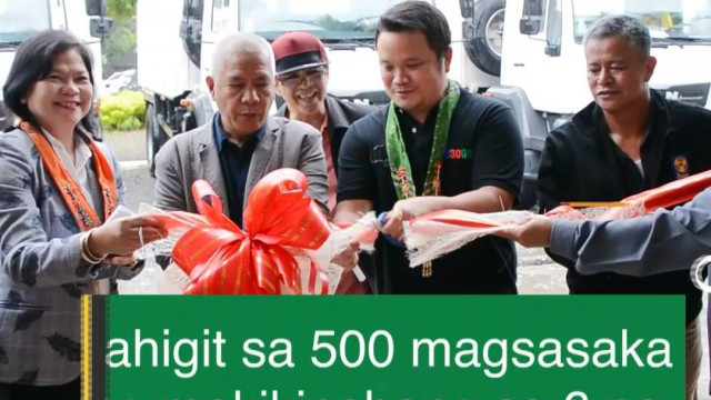 DAR provides hauling trucks to Caraga farmers.