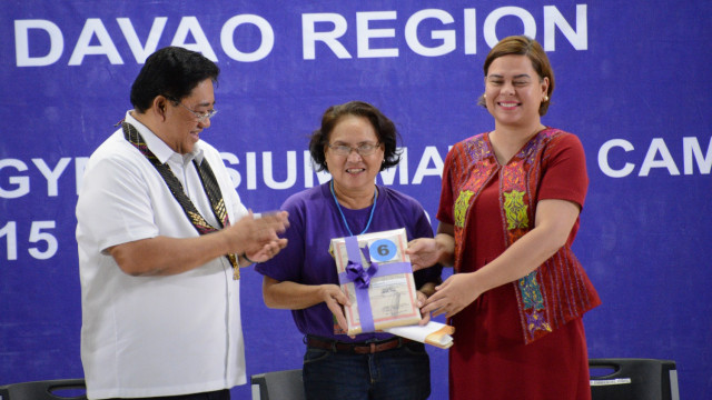 2,095 farmers from Davao Region received land titles