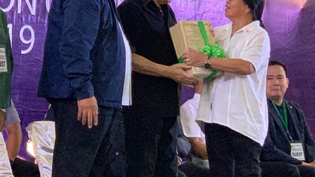 Duterte distributes 102,727 hectares of agri lands in Mindanao