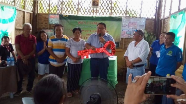 Barili farmers receive common service facilities worth P1.6 M from DAR