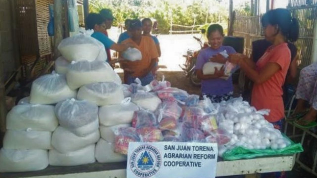 Negros Occidental ARBO distributes relief goods to members affected by Covid-19 crisis