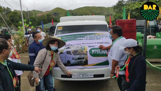 Pamamahagi ng  Certificates of Land Ownership Awards at suportang serbisyo sa Nueva Vizcaya.