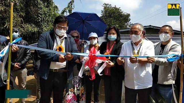 Pamamahagi ng mga titulo ng lupa at suportang serbisyo sa mga magsasaka ng Benguet.