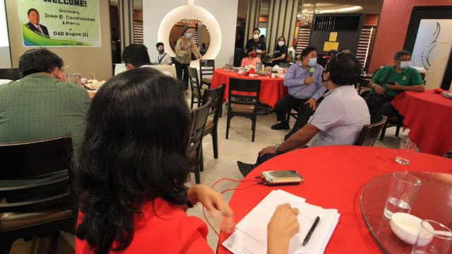 Bro. John commends DAR-Central Luzon for distributing 75% of undistributed land titles