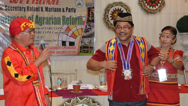 Ka Paeng bestowed with Bukidnon emblems