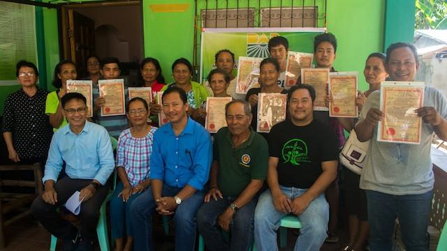 16 Masbate farmers receive land titles