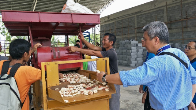 DAR hands over P1.5 M post-harvest facilities to farmer groups in North Cotabato