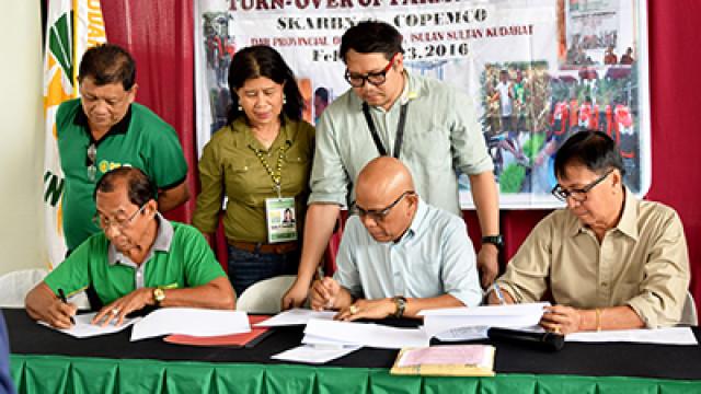 Sultan Kudarat farmers receive Php12.8-M worth of farm equipment