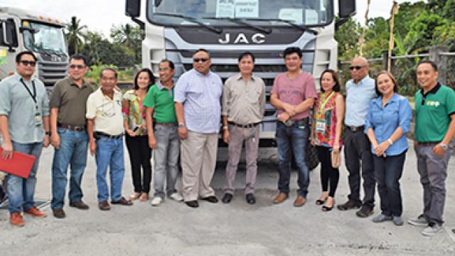 Sultan Kudarat farmers get Php 17-M worth of dump trucks