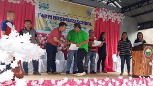 Cebu farmers learn agri-entrepreneurial skills